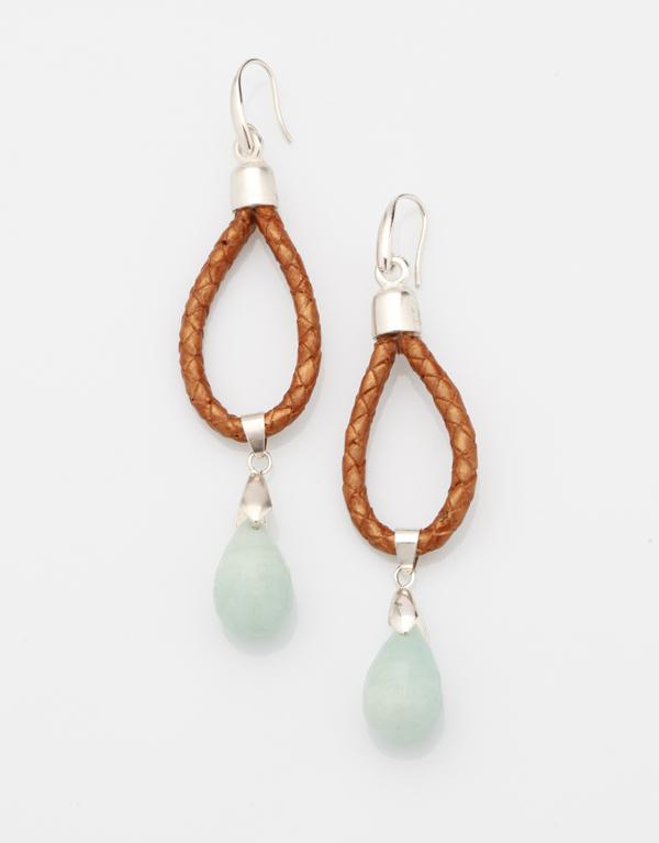 Boucles d'oreille Allure : cuir tressé bronze avec sa pierre fine, l'amazonite