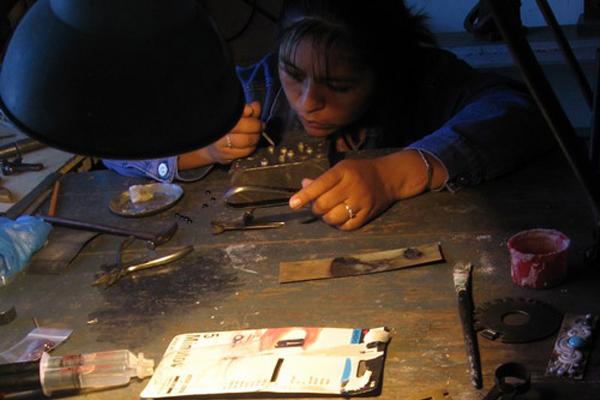 Atelier d'un artisan bijoutier