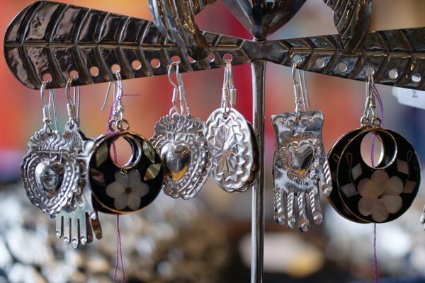 Boucles d'oreilles artisanales en argent massif