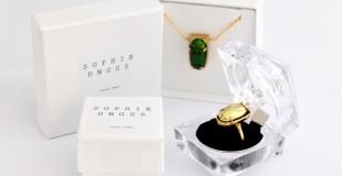 Bijoux en insectes réels par l'artiste joaillière Sophie DNGSS